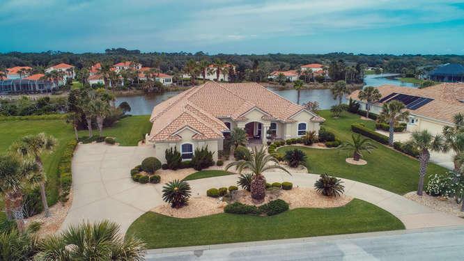 Photo of home for sale at 20 San Gabriel Lane, Palm Coast FL
