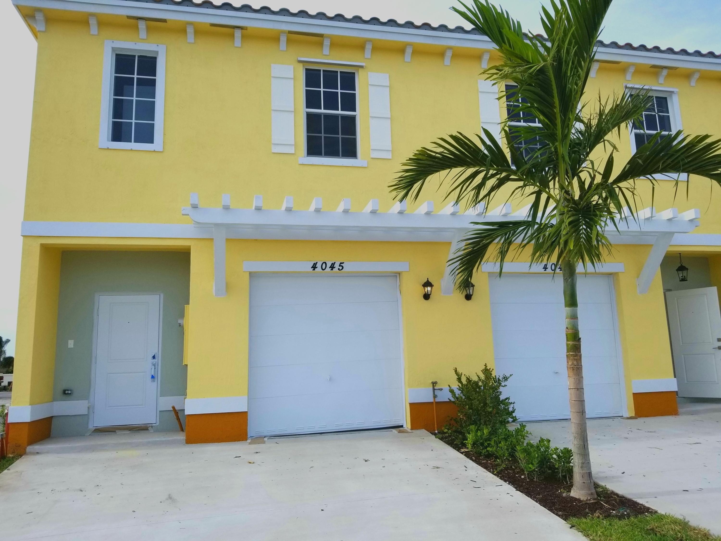 Photo of home for sale at 1001 41st Avenue NW, Lauderhill FL