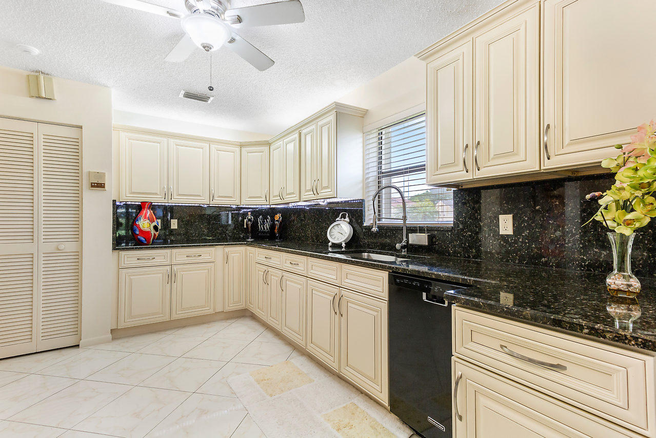5615 Pleasant Valley Lane Delray Beach, FL 33484 photo 14