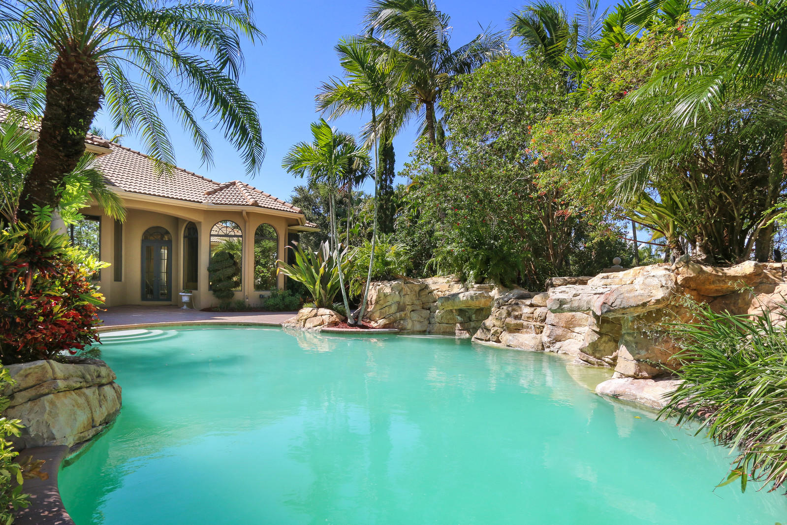 BAY HILL ESTATES PALM BEACH GARDENS