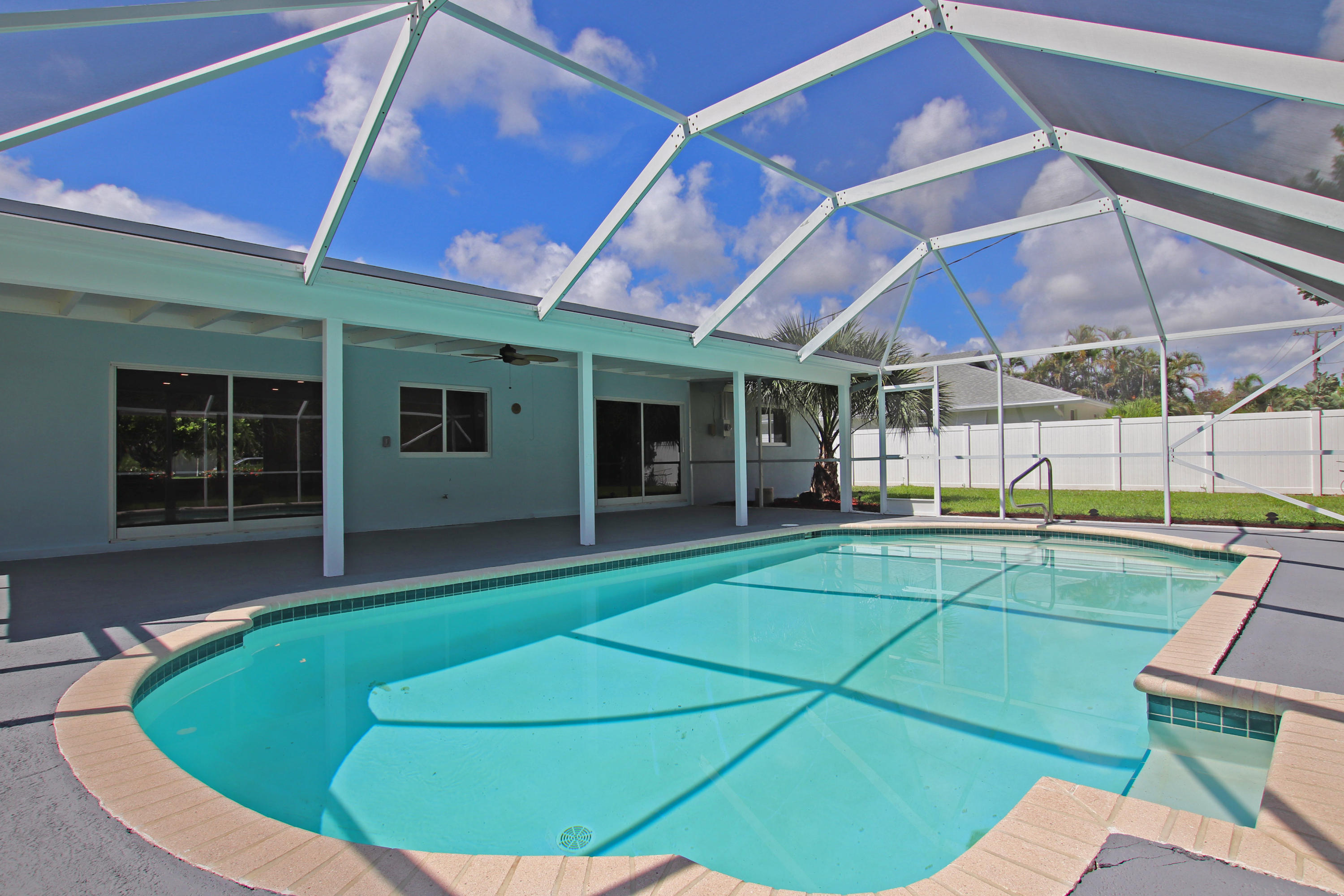 278 Country Club Drive, Tequesta, Florida 33469, 3 Bedrooms Bedrooms, ,2 BathroomsBathrooms,A,Single family,Country Club,RX-10460004