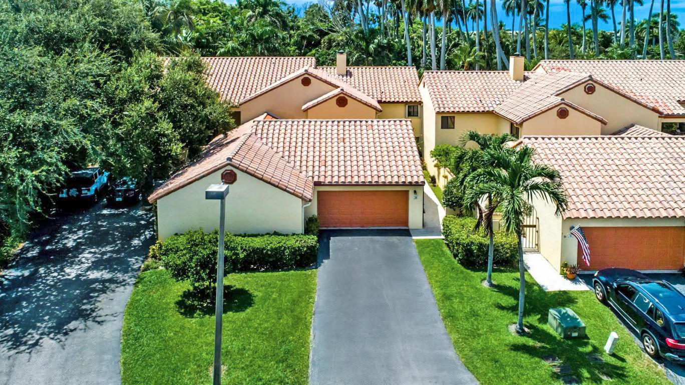 28 Via Lago C Boynton Beach, FL 33435