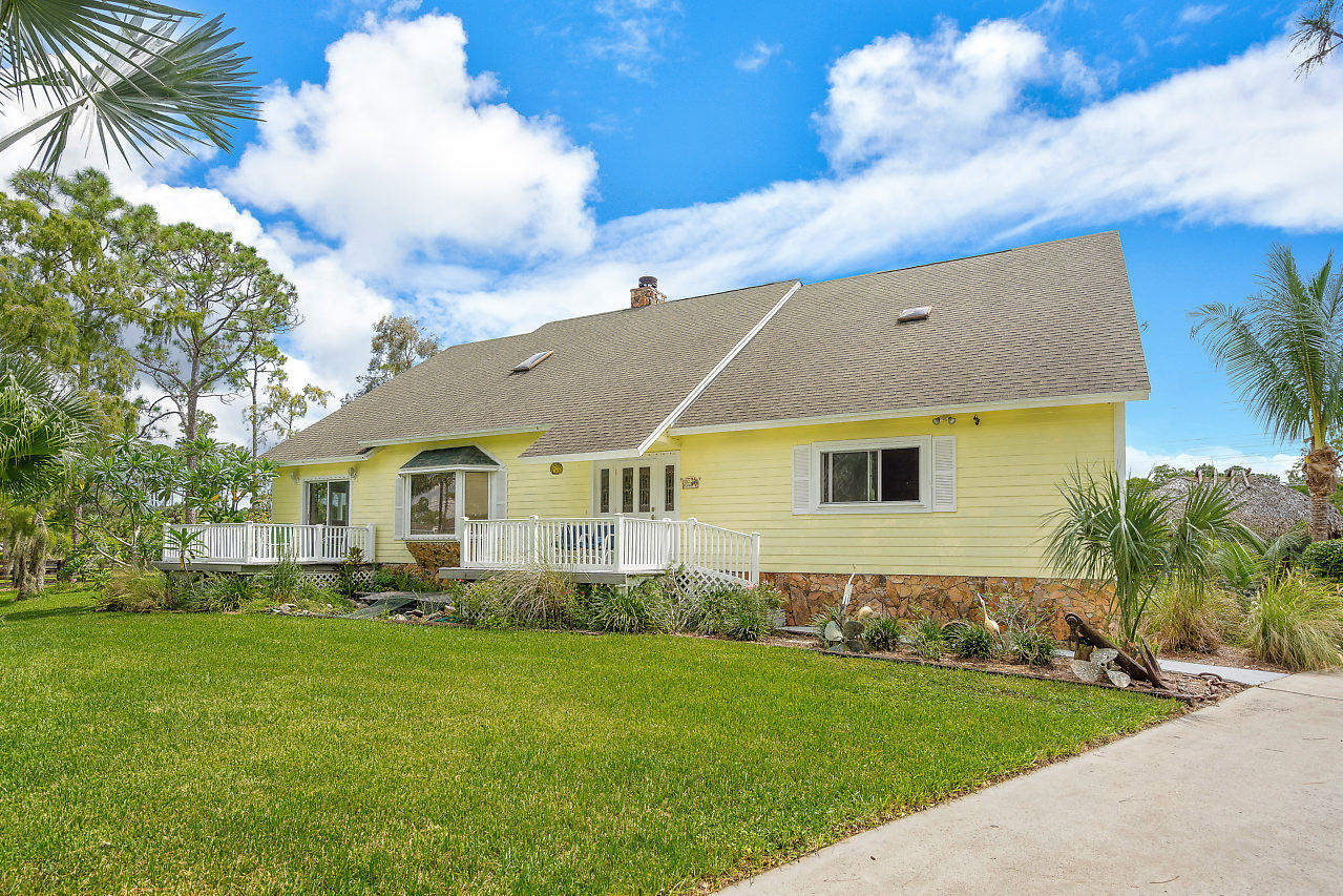 5212 Homeland Road Wellington, FL 33449