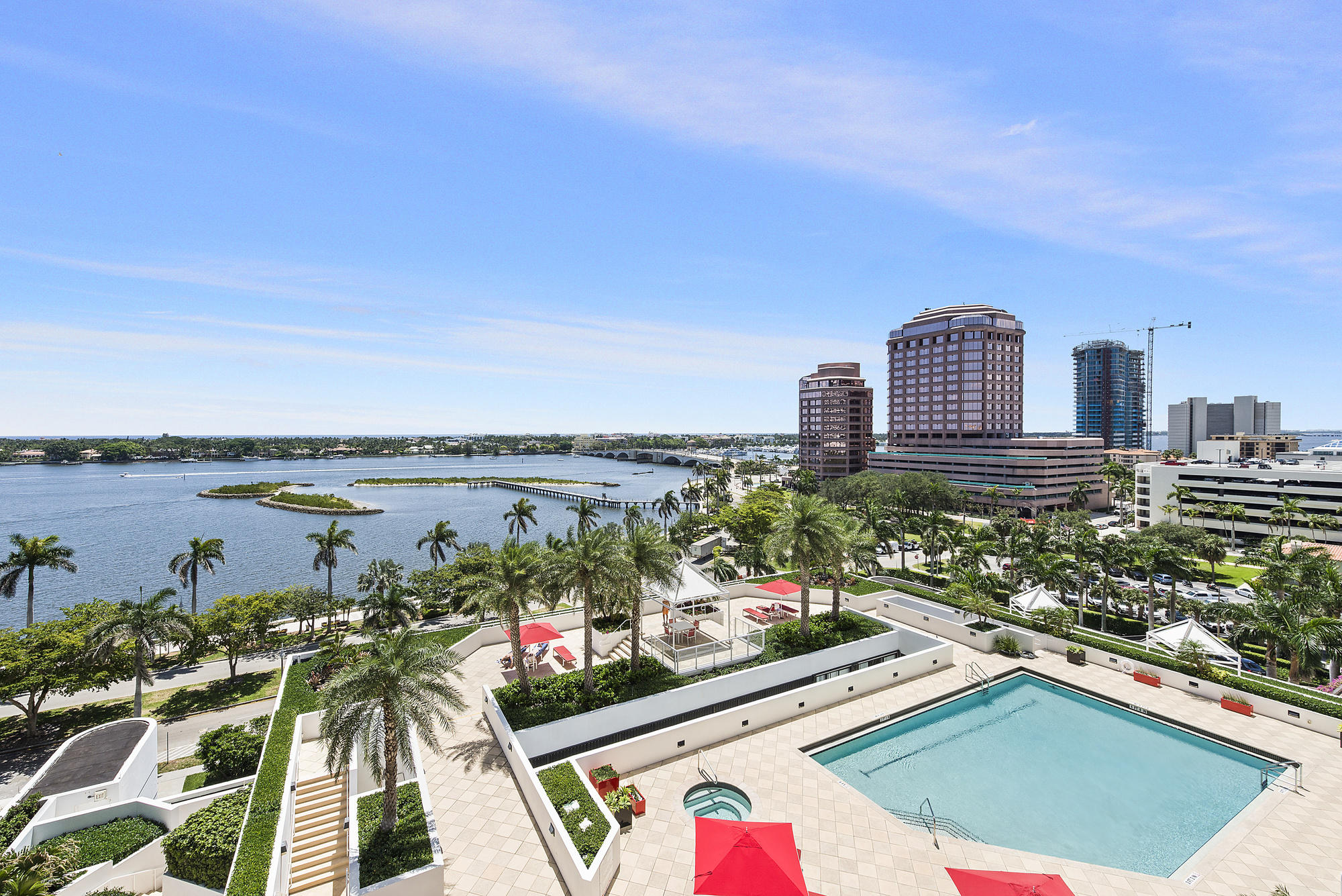 TRUMP PLAZA OF THE PALM BEACHES COND  UNIT 9B