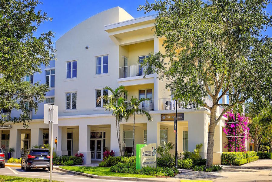 1155 Main Street 214, Jupiter, Florida 33458, 3 Bedrooms Bedrooms, ,2 BathroomsBathrooms,F,Condominium,Main,RX-10461228