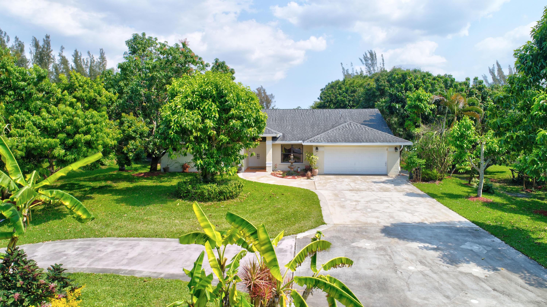 384 Westwood Circle W West Palm Beach, FL 33411
