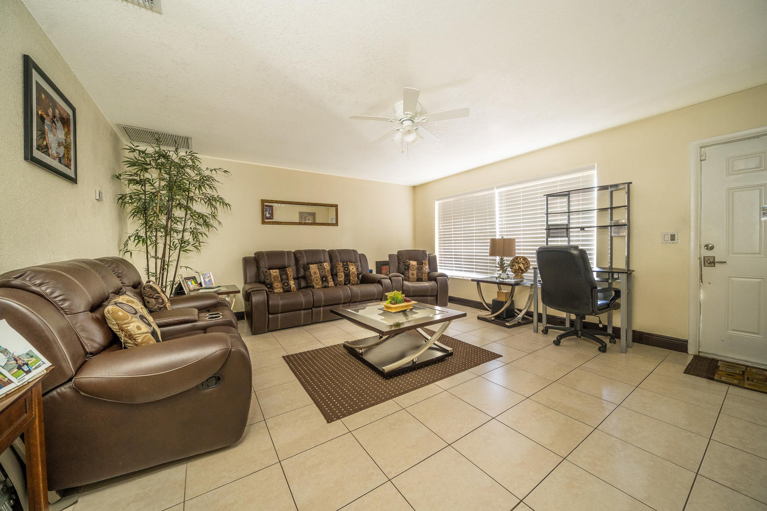 913 Montego Drive West Palm Beach, FL 33415 small photo 3