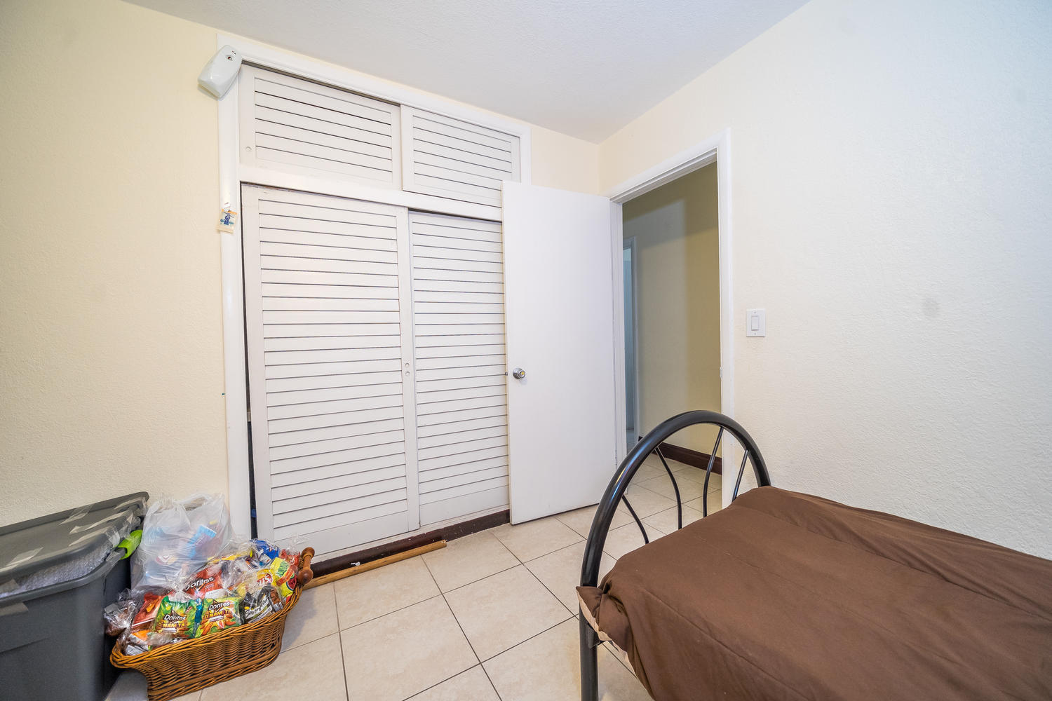 913 Montego Drive West Palm Beach, FL 33415 small photo 13