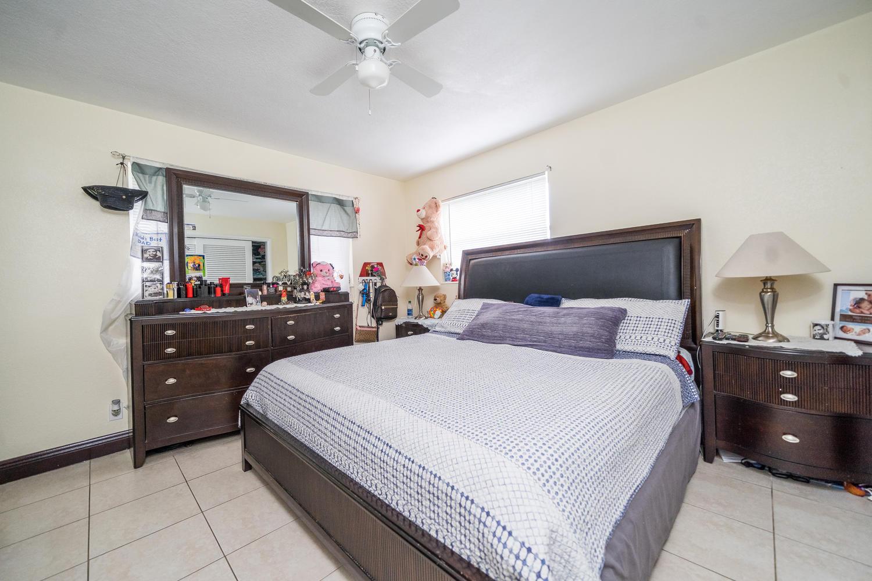 913 Montego Drive West Palm Beach, FL 33415 photo 17