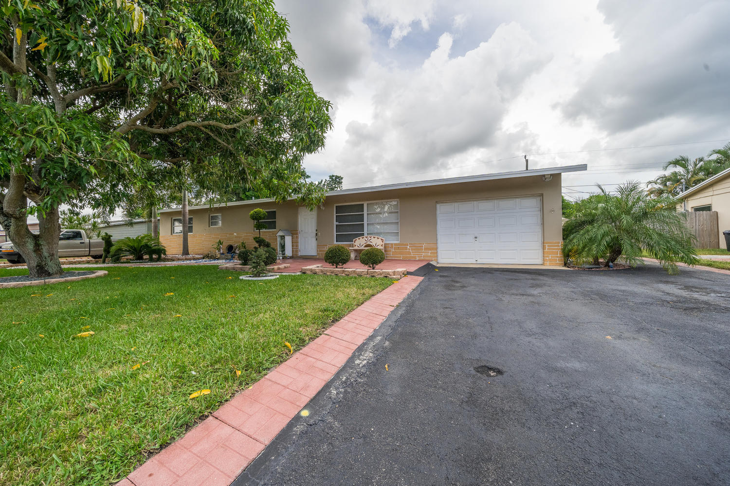913 Montego Drive West Palm Beach, FL 33415 small photo 30