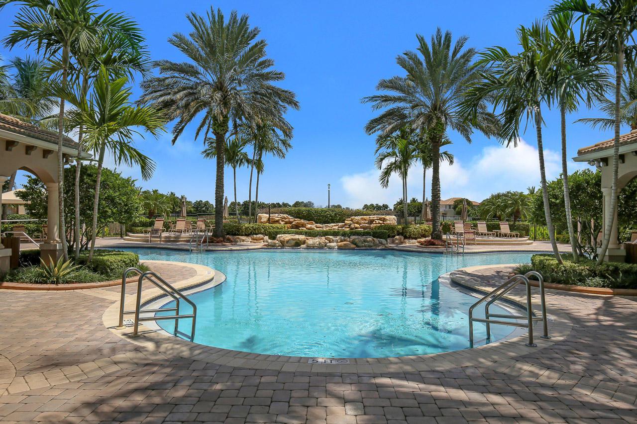 8740 Cobblestone Point Circle Boynton Beach, FL 33472