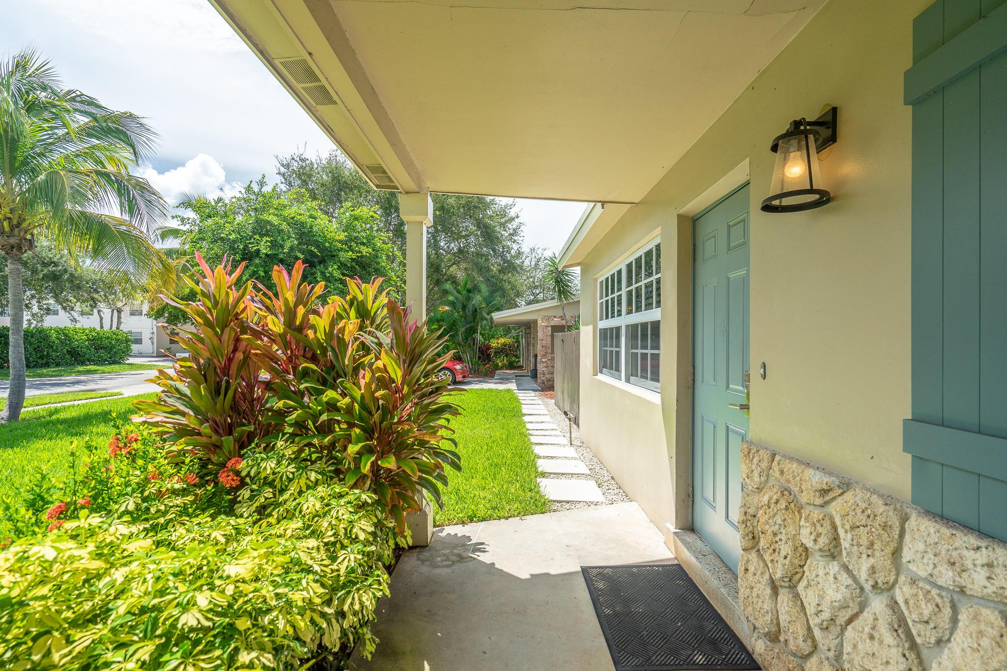 1638 NE 3rd Avenue  Delray Beach, FL 33444