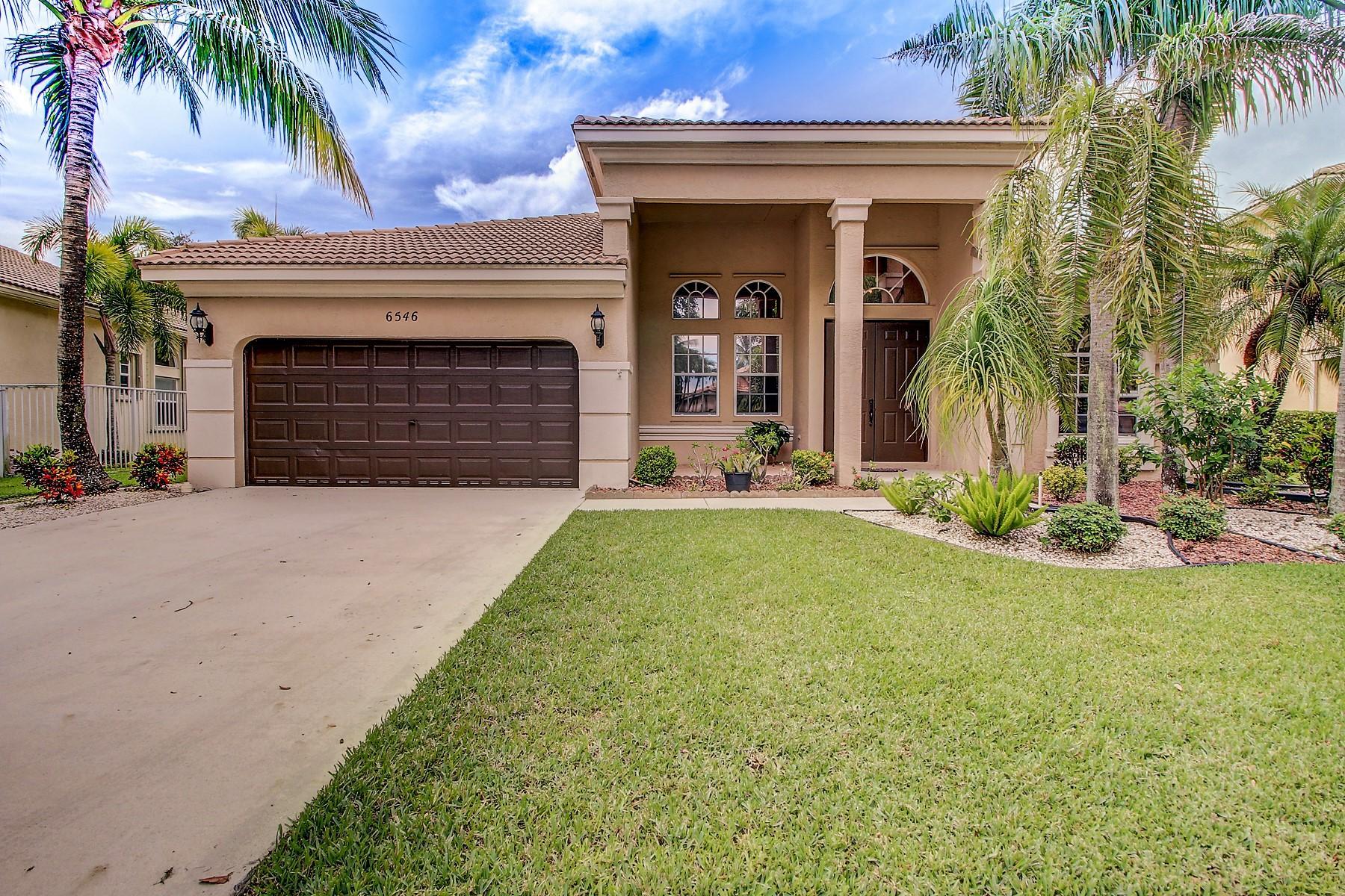 6546 Stonehurst Circle Lake Worth, FL 33467 photo 2
