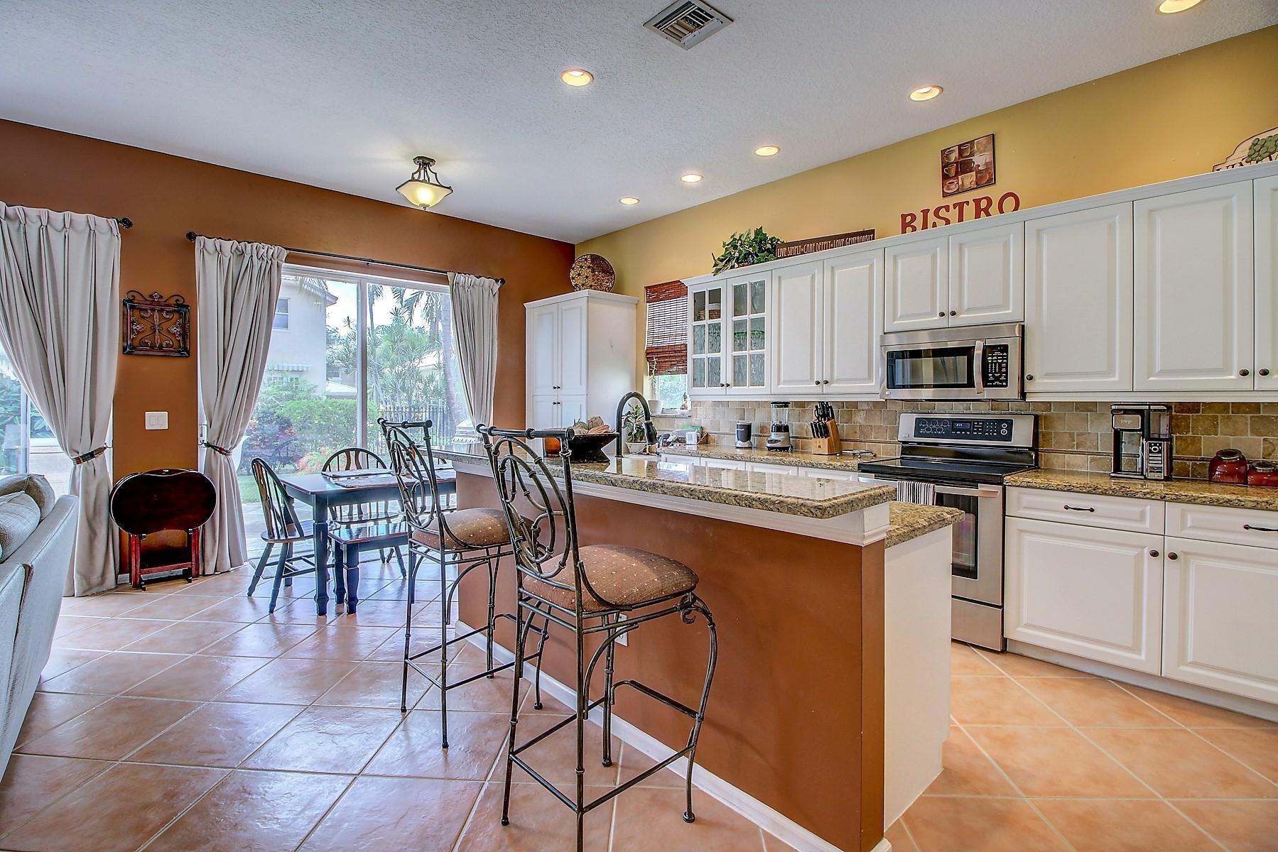 6546 Stonehurst Circle Lake Worth, FL 33467 photo 16