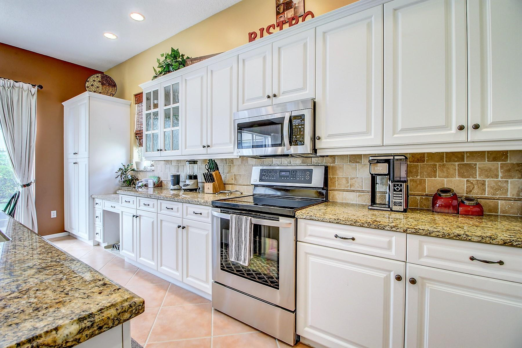 6546 Stonehurst Circle Lake Worth, FL 33467 photo 14