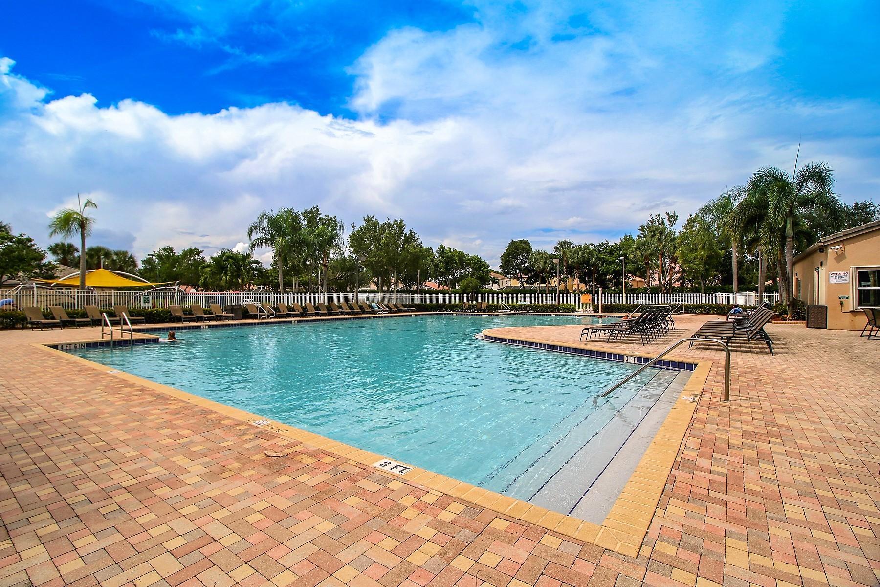 6546 Stonehurst Circle Lake Worth, FL 33467 photo 59