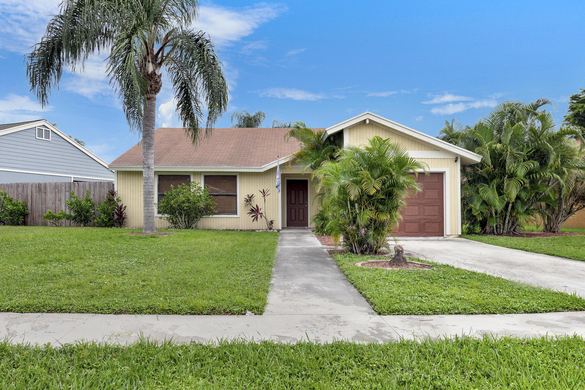 4705 Brook Drive West Palm Beach, FL 33417 photo 2