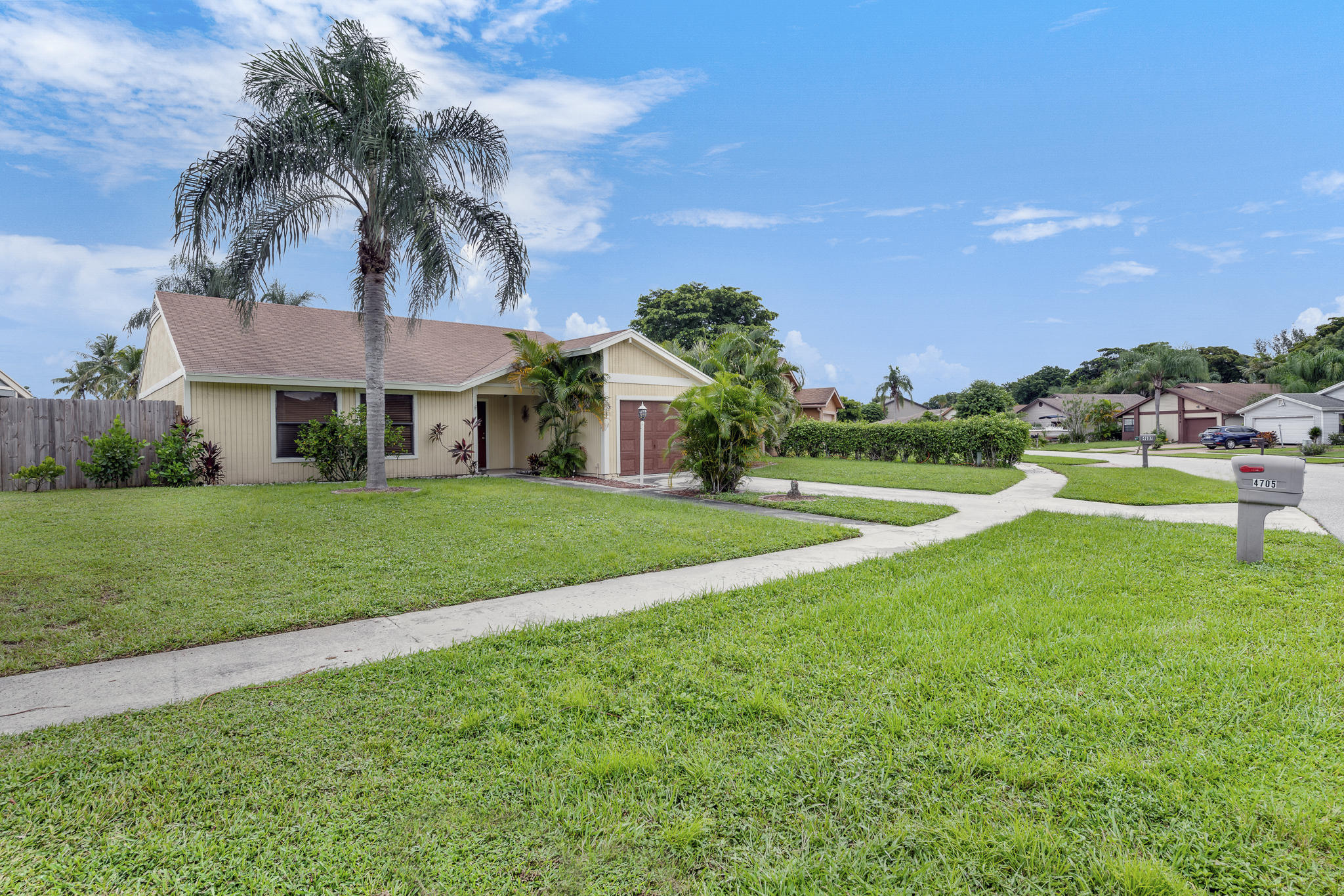4705 Brook Drive West Palm Beach, FL 33417 photo 17