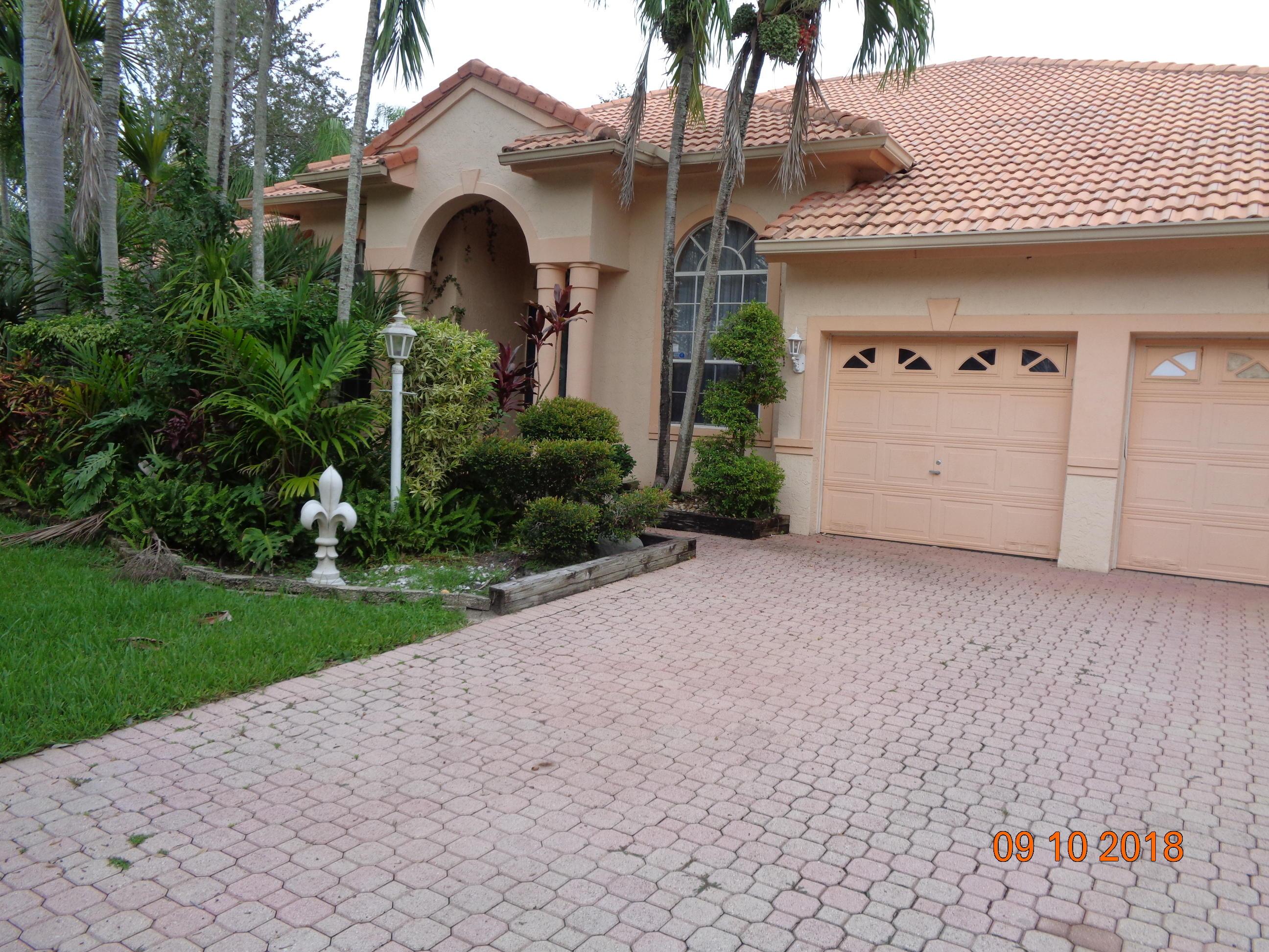 Home for sale in Estates Of Stirling Lake Davie Florida