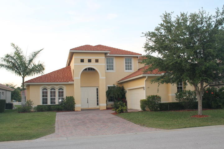 477 NW Dover Court, Port Saint Lucie, Florida