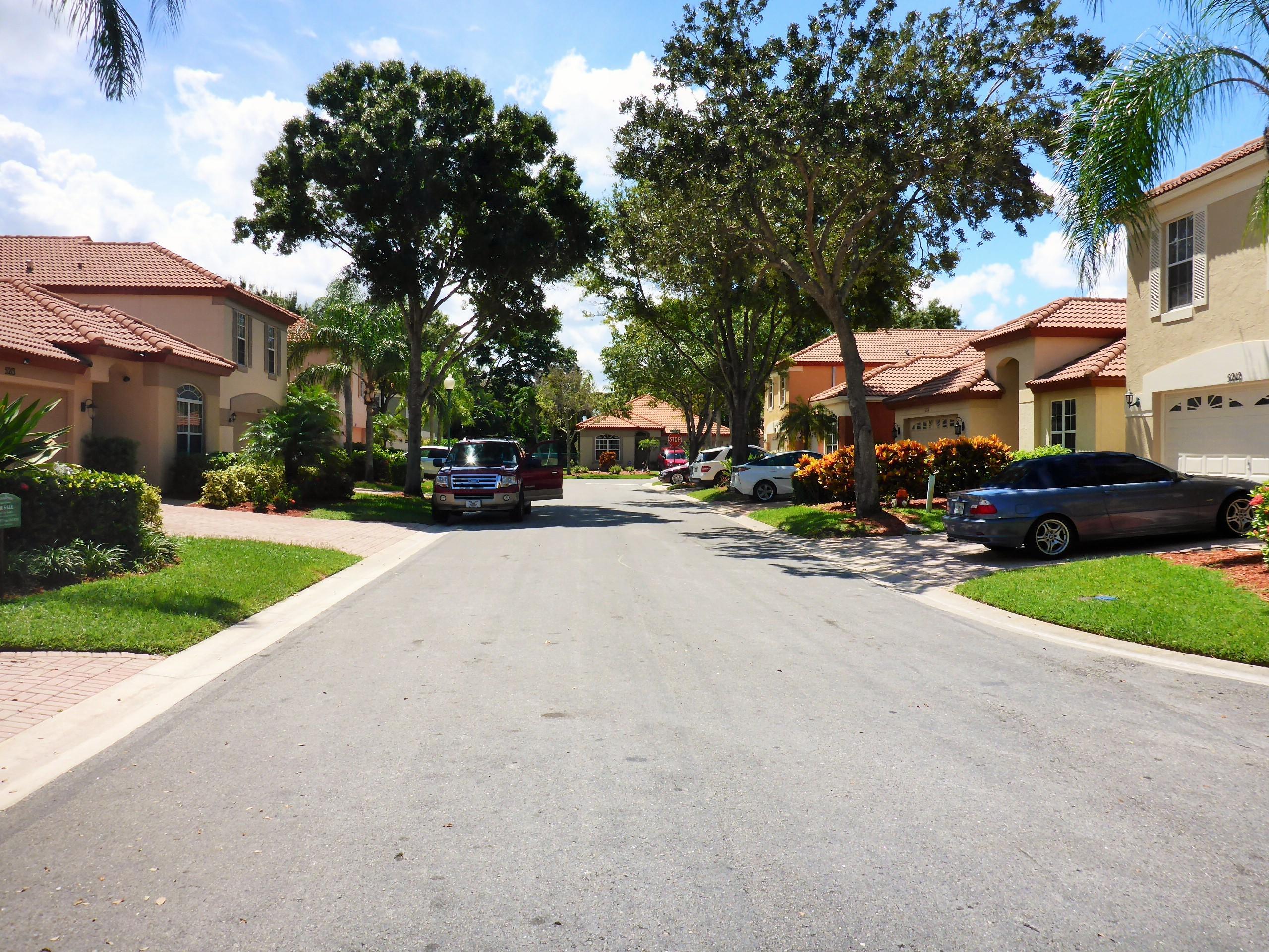5211 Edenwood Road Riviera Beach, FL 33418 photo 3