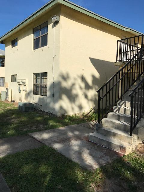 2323 Linton Ridge Circle D-10  Delray Beach, FL 33444