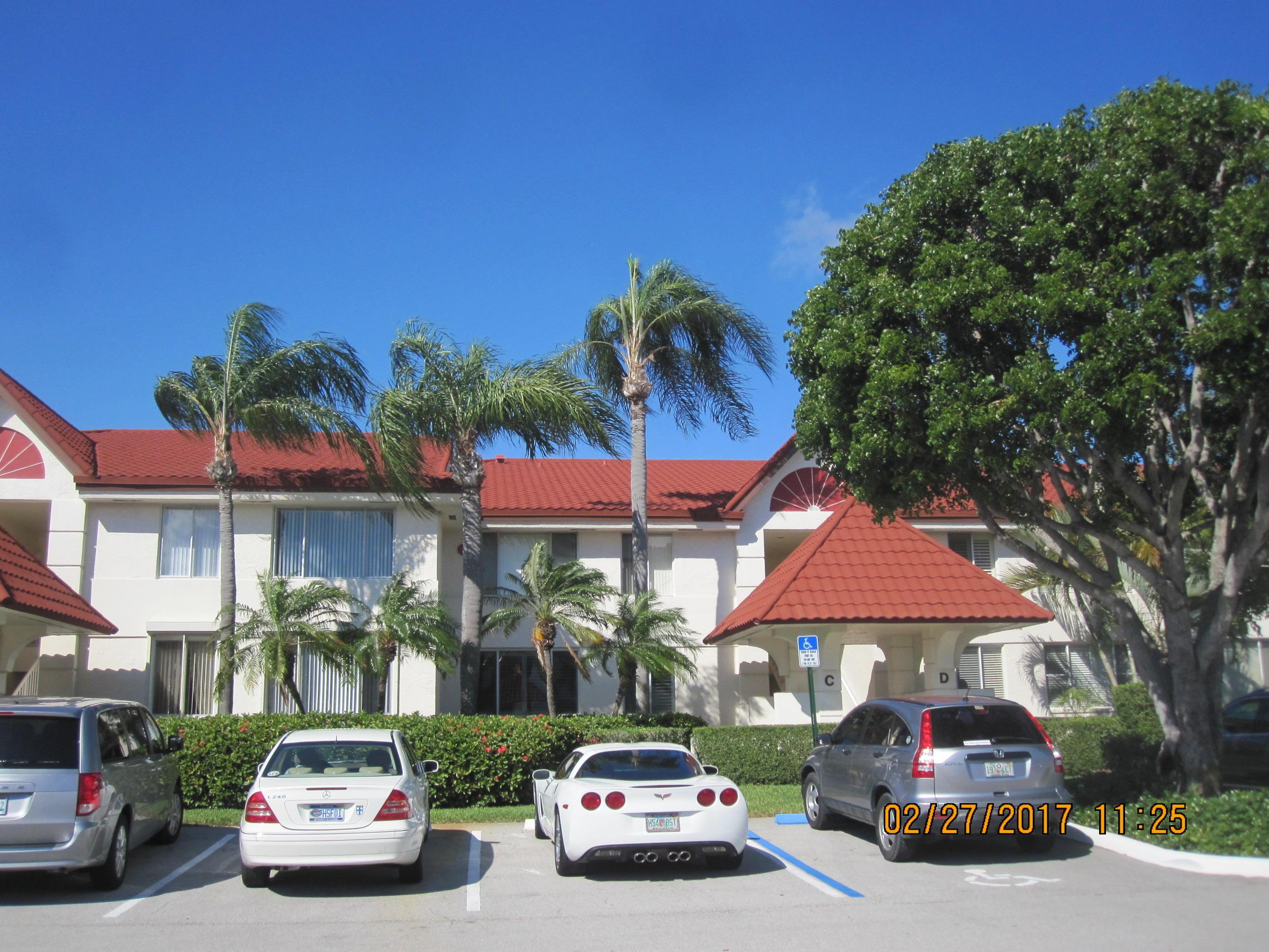 103 Half Moon Circle C2, Hypoluxo, Florida 33462, 2 Bedrooms Bedrooms, ,2 BathroomsBathrooms,A,Condominium,Half Moon,RX-10464814