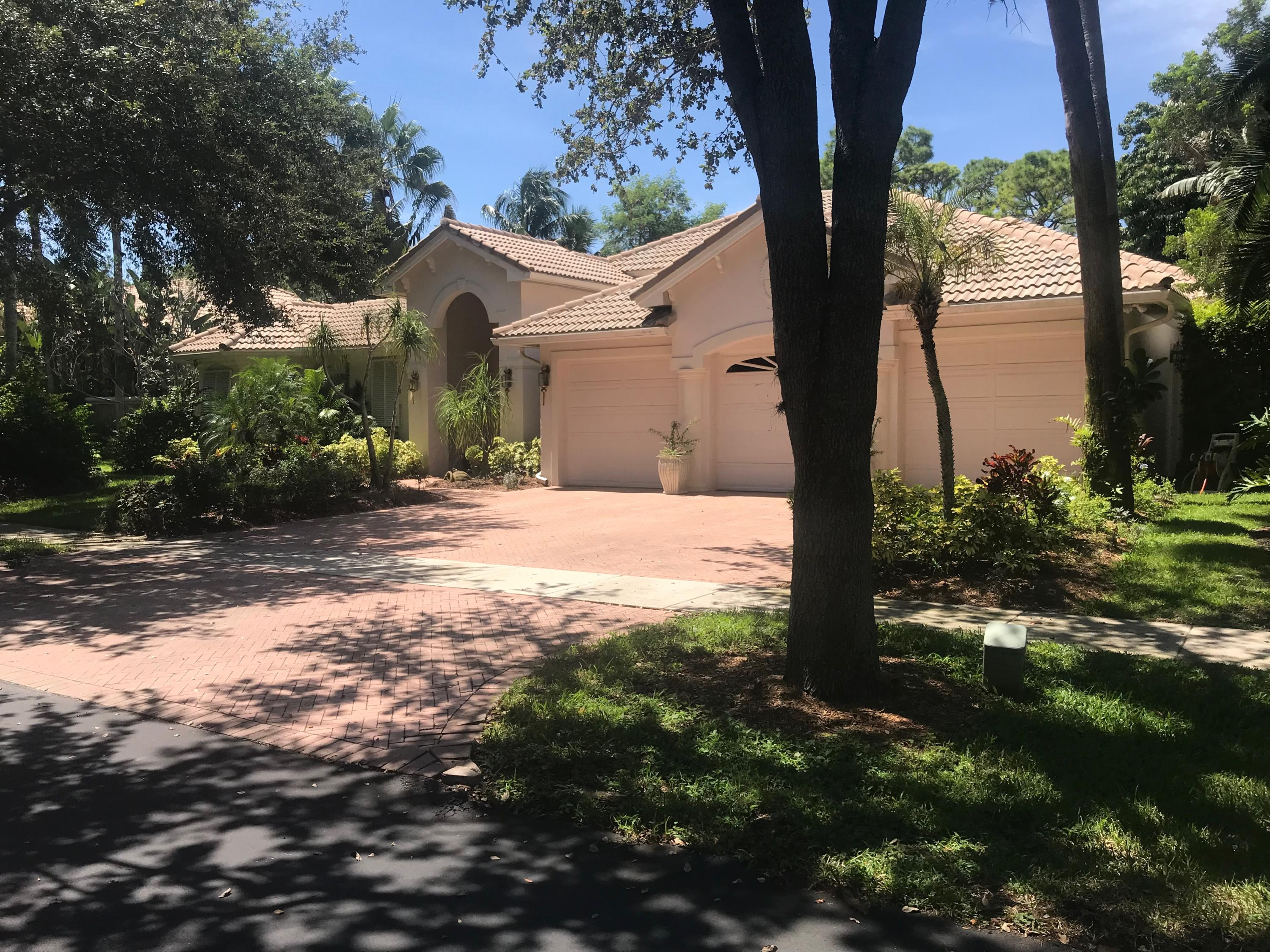 Home for sale in WHISPERING OAKS Delray Beach Florida