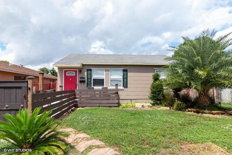 939 Ardmore Road West Palm Beach, FL 33401