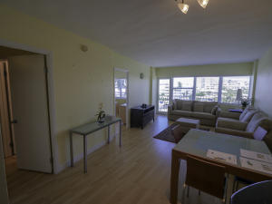 Le Cercle By The Beach Condo