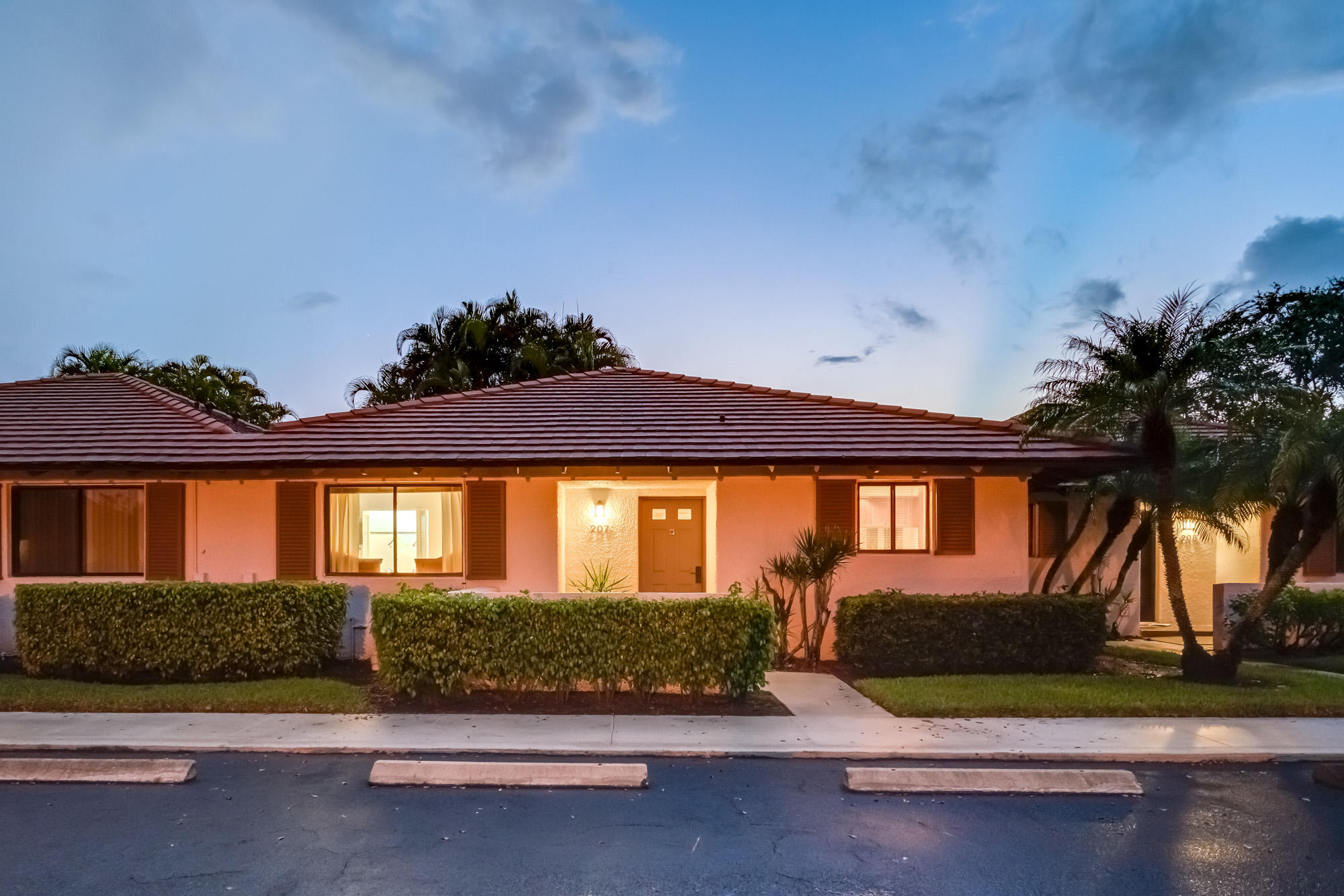 207 Club Drive Palm Beach Gardens,Florida 33418,2 Bedrooms Bedrooms,2 BathroomsBathrooms,F,Club,RX-10464981