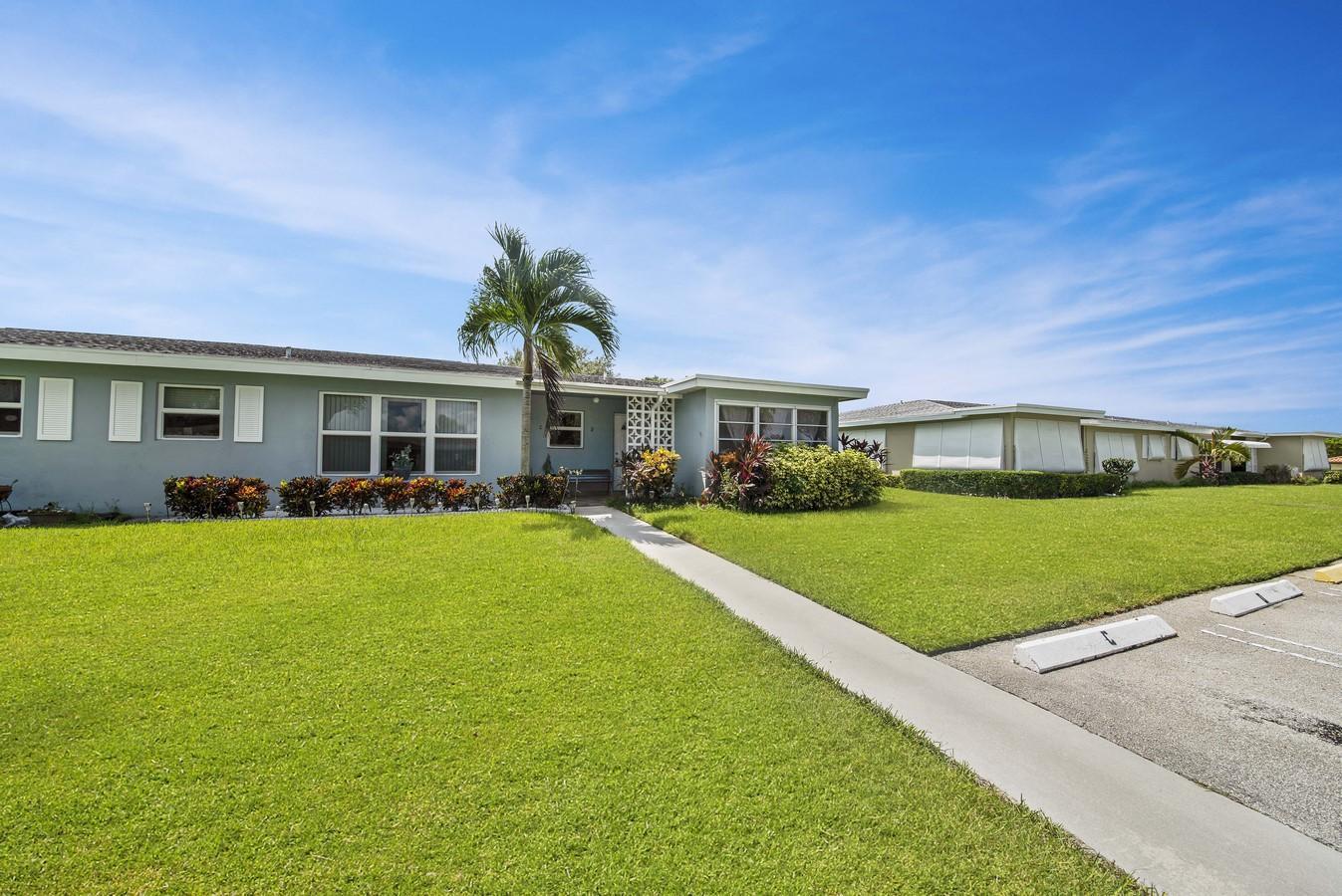 260 High Point Court D Boynton Beach, FL 33435