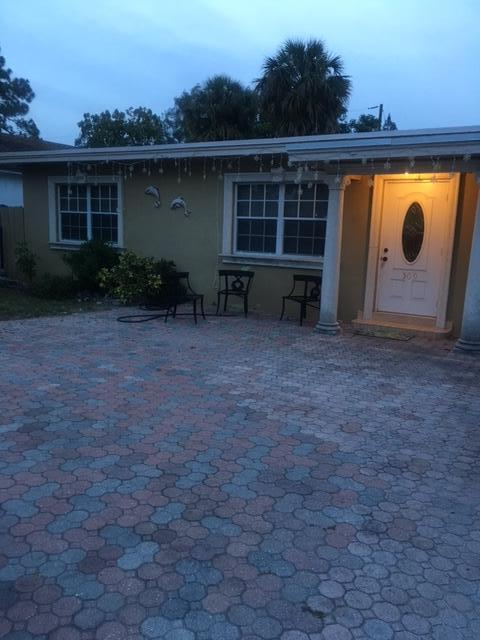 509 FLEMING AVENUE, GREENACRES, FL 33463