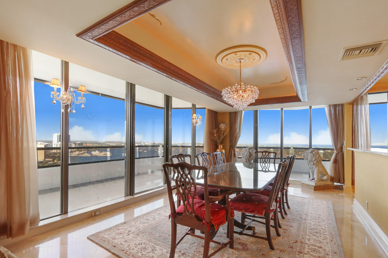 OLD PORT COVE LAKE POINT TOWER COND UNIT 1652