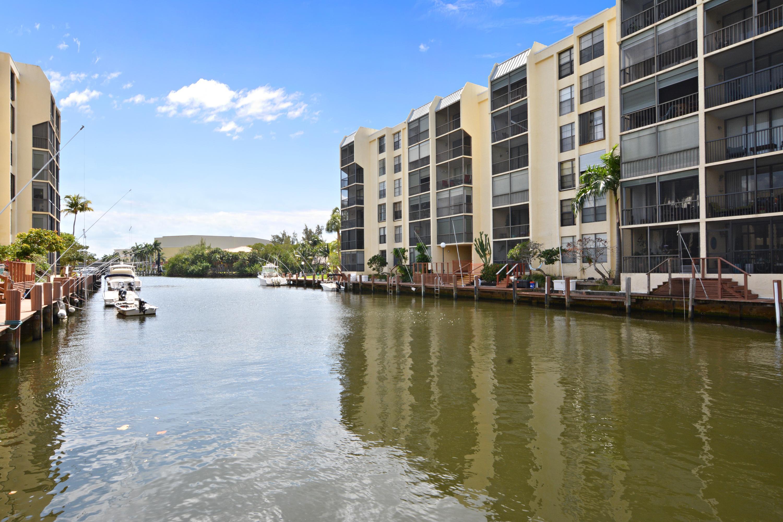 9 Royal Palm Way, 206 - Boca Raton, Florida