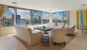 Palm Beach Towers