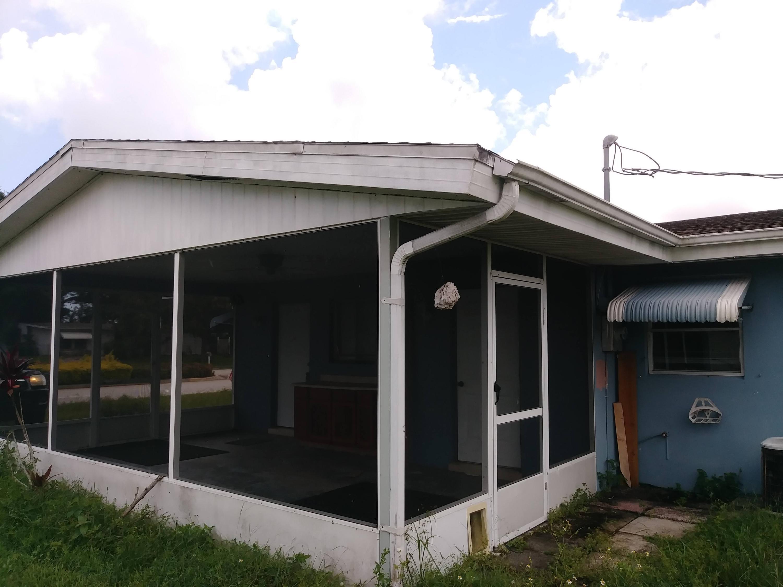 870 SW Airoso Boulevard Port Saint Lucie, FL 34983 photo 3