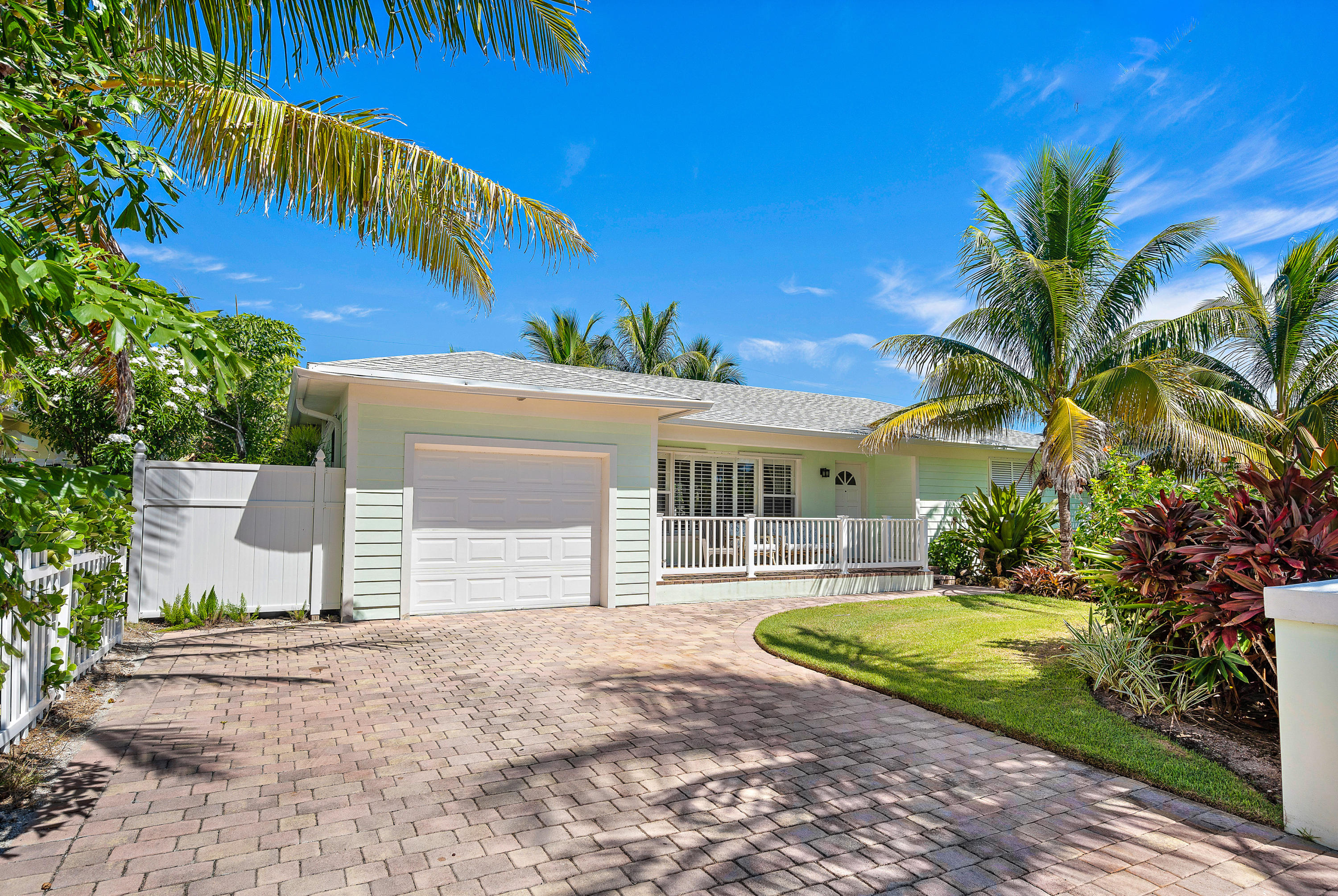 PALM BEACH SHORES REAL ESTATE