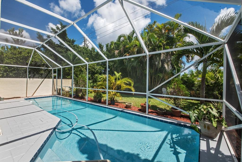 914 Dickens Place West Palm Beach, FL 33411