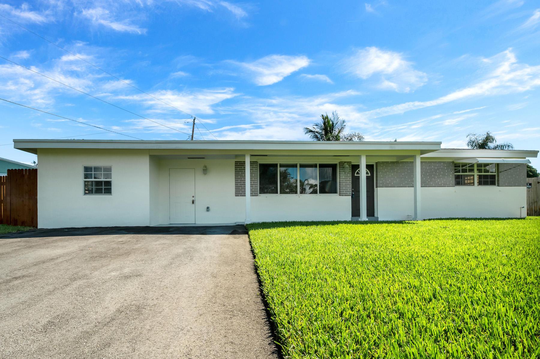 Home for sale in SEACREST ESTATES Boynton Beach Florida