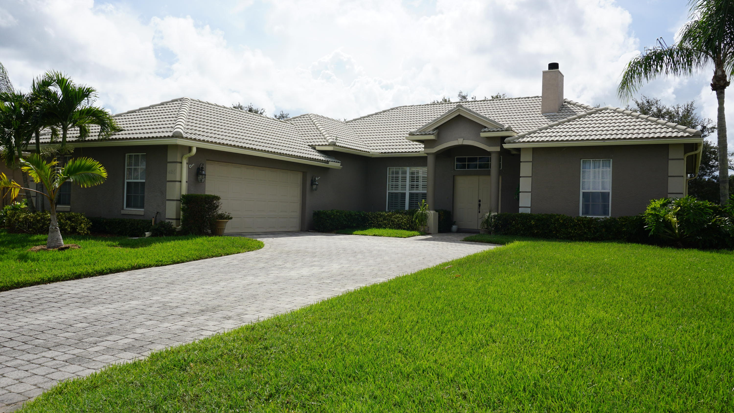 426 NW Canterbury Court, Port Saint Lucie, Florida