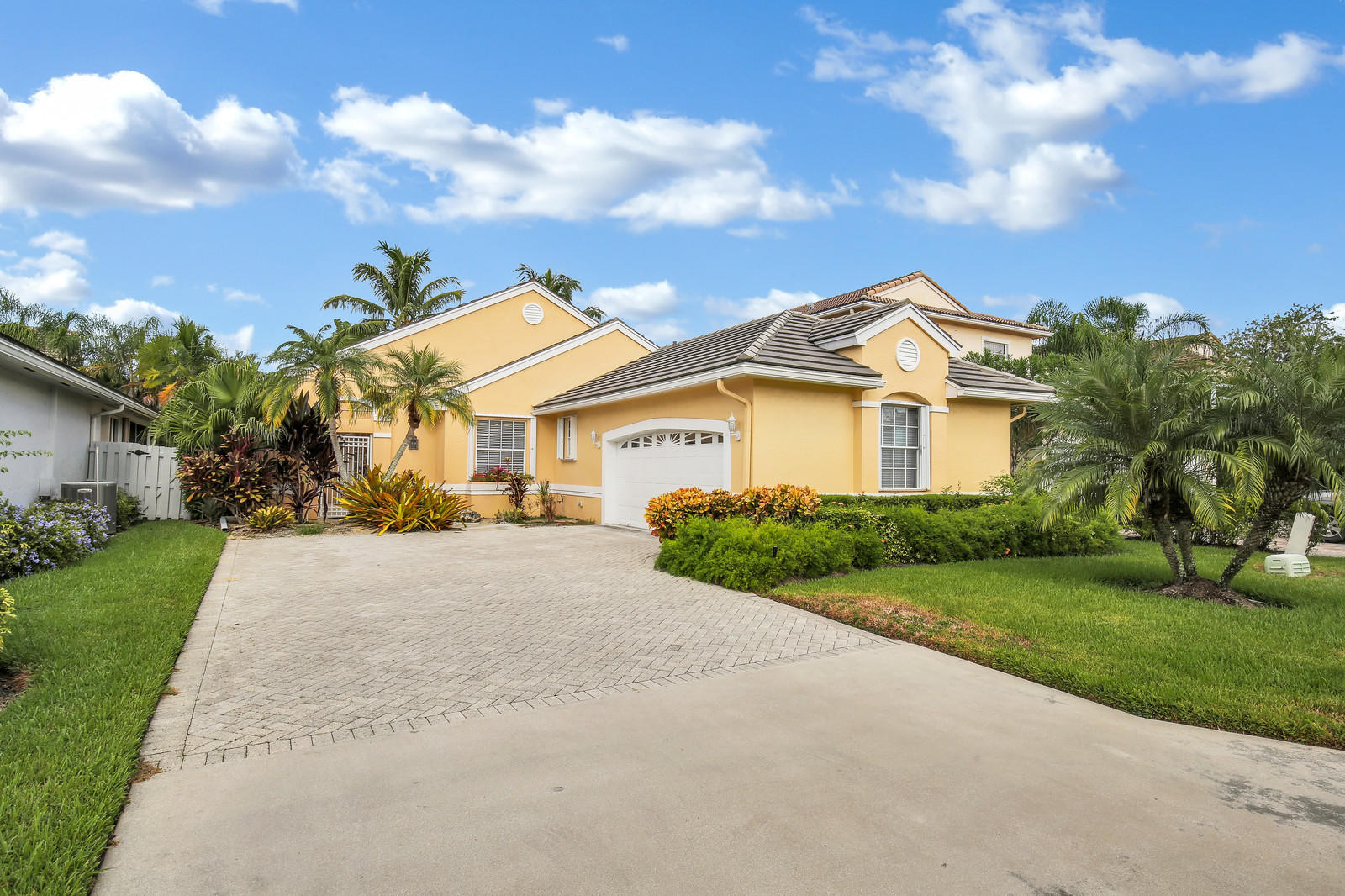 8273 Bob O Link Drive West Palm Beach, FL 33412