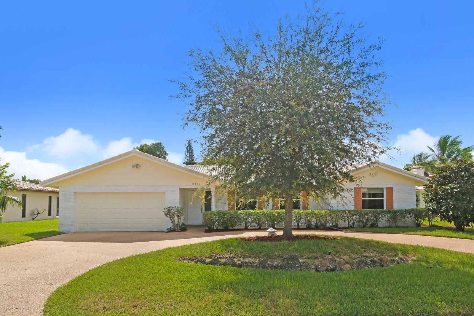 Home for sale in Coral Springs Lakes Coral Springs Florida