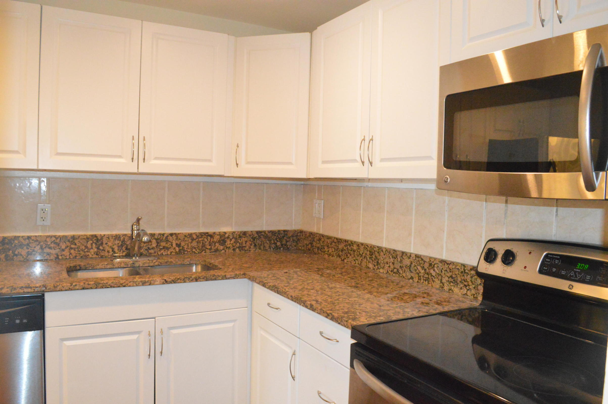 Home for sale in HERITAGE CIRCLE CONDO Pompano Beach Florida