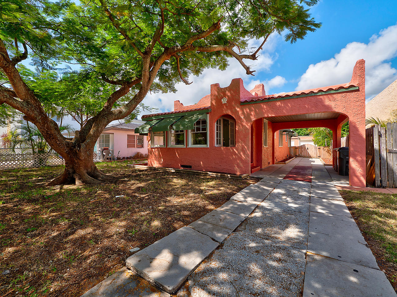 Home for sale in Downtown Jewell Lake Worth Florida