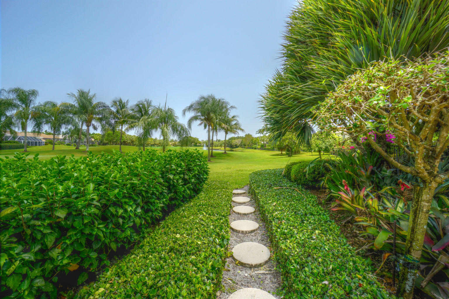 PALM BEACH GARDENS HOMES