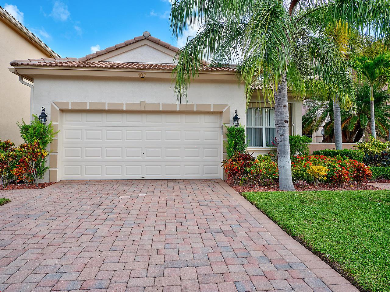 187 Isle Verde Way, Palm Beach Gardens, Florida 33418, 3 Bedrooms Bedrooms, ,2 BathroomsBathrooms,A,Single family,Isle Verde,RX-10467274