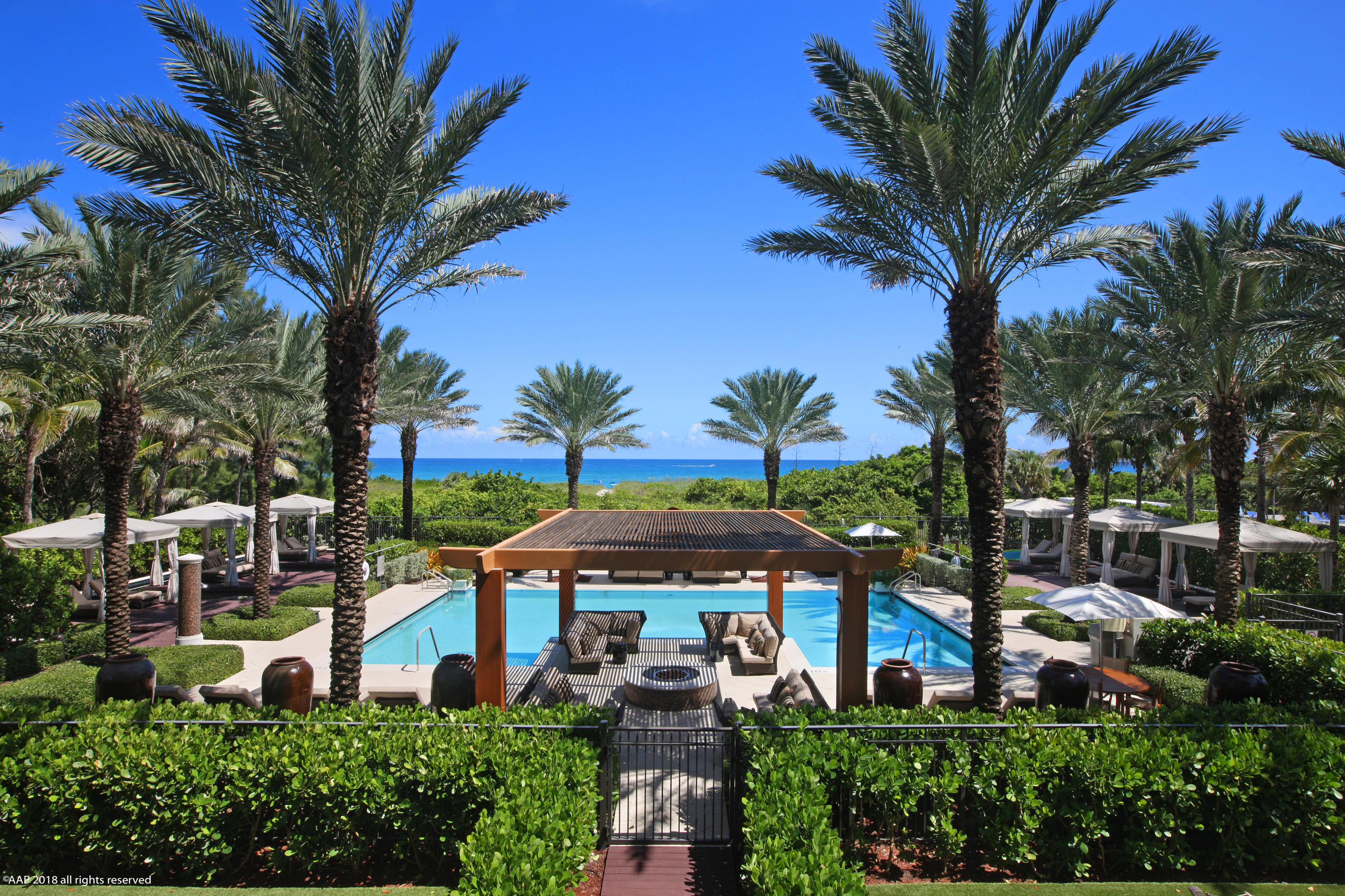 DOLCEVITA PALM BEACH SHORES