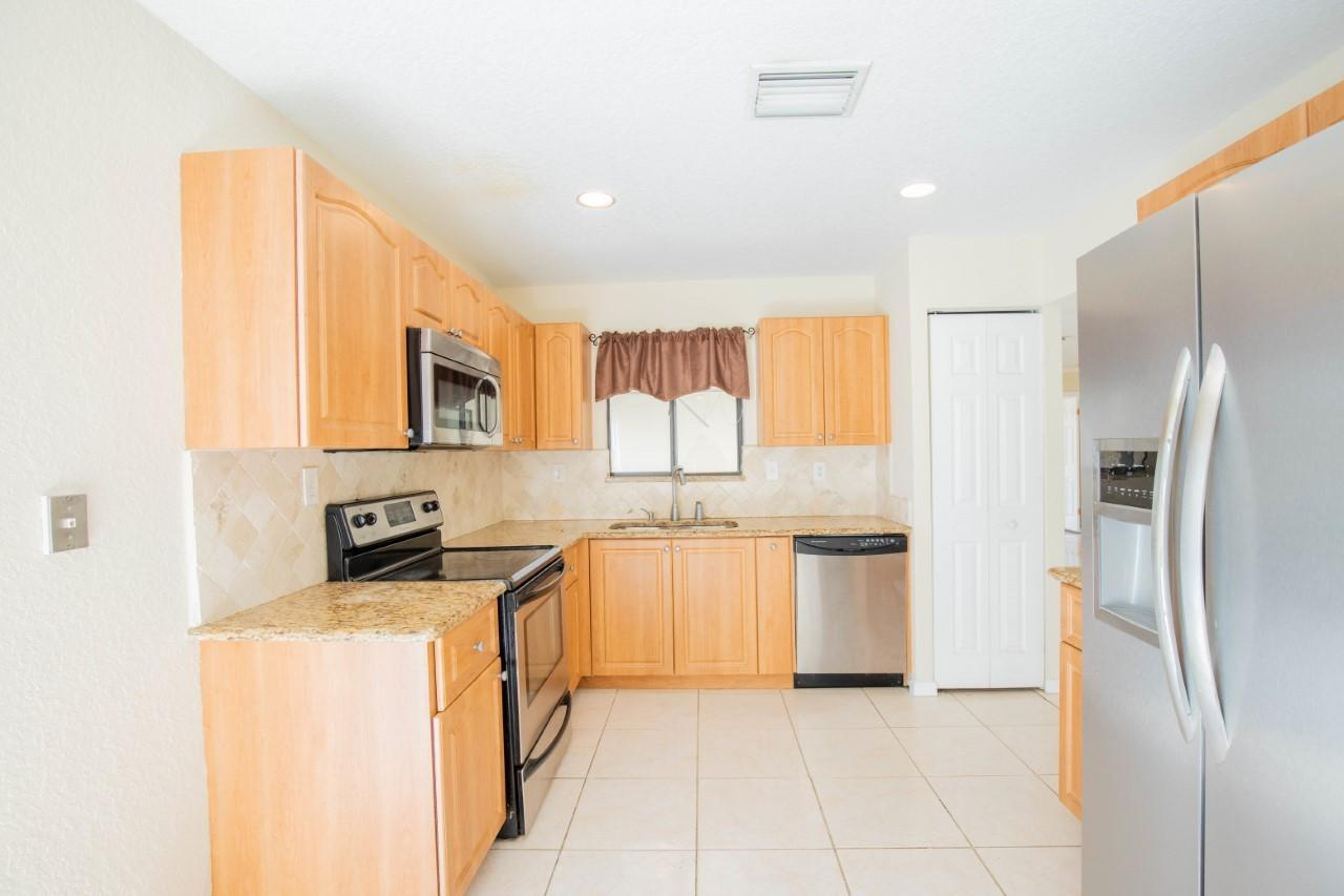 2140 NW 10th Place  Delray Beach, FL 33445