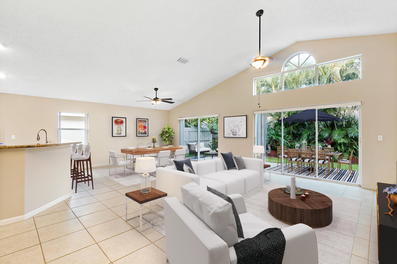 1377 Fairfax Circle Boynton Beach, FL 33436 photo 4